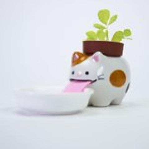 Peropon Drinking Animal Planter | Firebox.com - Shop for the Unusual