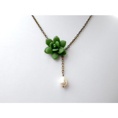 Succulent and Pearl Necklace Green Succulent Necklace by Diaszabo