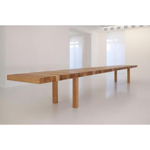 The KM Table - Minimalissimo