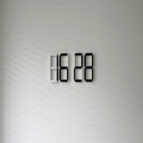 Black & White Clock by Vadim Kibardin | Minimalismi