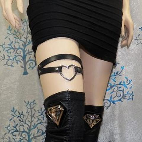 Buy SURELIN Heart Layered Faux Leather Garter | YesStyle